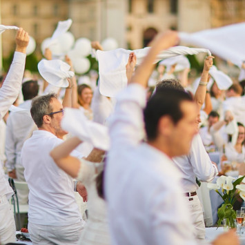 Le Dîner en Blanc Charleston Rescheduled for October 18!