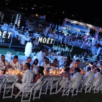 PHOTOS: Diner en Blanc at night