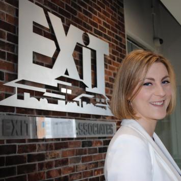 Présentation collaborateurs Dîner en blanc 2017: Katie Friars Exit