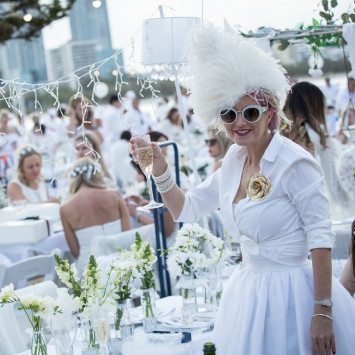 Diner en Blanc 101 - What to Wear and What to Bring