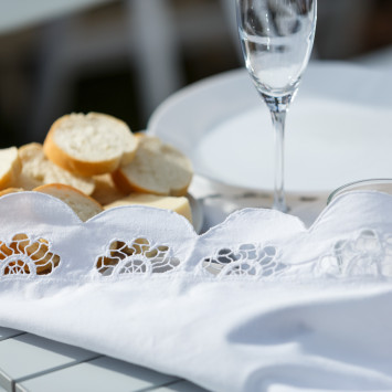Table Decor: How to Decorate Like a Party Planner for #DEBVictoria