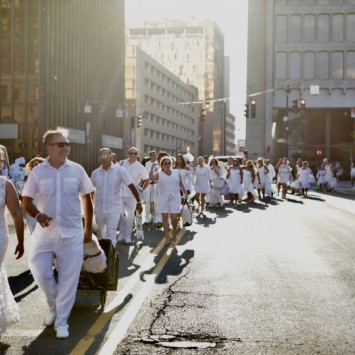 A Festive Evening at Hartford's First Ever Le Dîner en Blanc