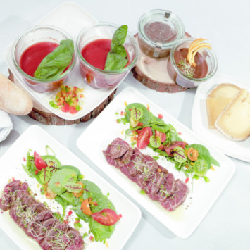 Delicious Menus From Royal Catering!
