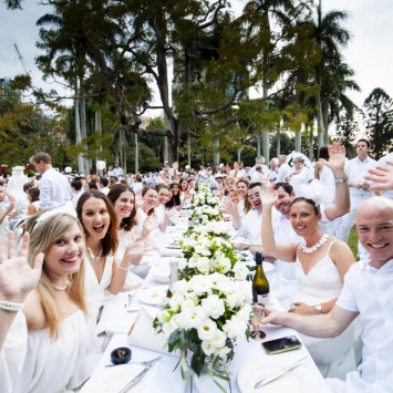 Want to attend Diner en Blanc with a group of friends?