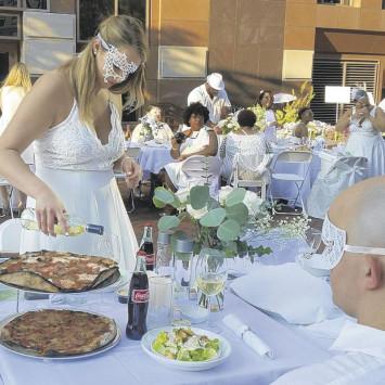 Le Dîner en Blanc pop-up gourmet event debuts in Hartford.