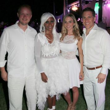 PHOTOS — DINER EN BLANC In West Palm Beach Is White Hot!