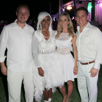 PHOTOS — DINER EN BLANC In West Palm Beach Is White Hot!