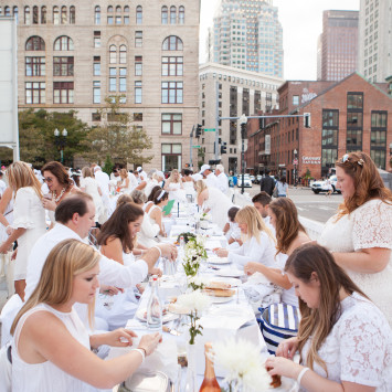 Diner en Blanc returns to Boston