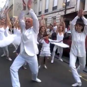 Initiative des fans du DEB: Flash Mob de danse