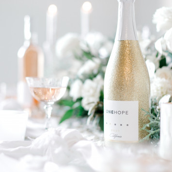 ONEHOPE partners with Dîner en Blanc US - Get yours on the e-store