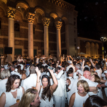 Thank you Sacramento for your warm embrace of Le Dîner en Blanc!