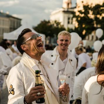 Por primera vez el evento Internacional Le Diner en Blanc será celebrado en Madrid