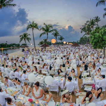 Record numbers and romance at Dîner en Blanc Singapore 2014