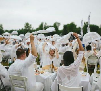 Le Diner en Blanc Tauranga happens rain or shine!