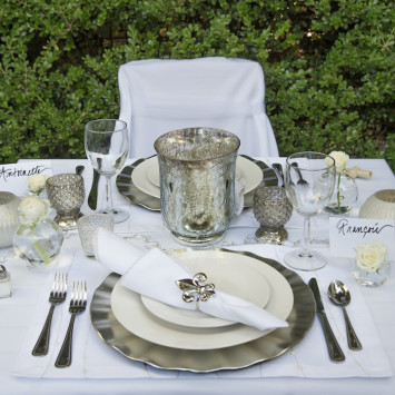 No Time for Table Decor? Check out Sparkle & Dine!