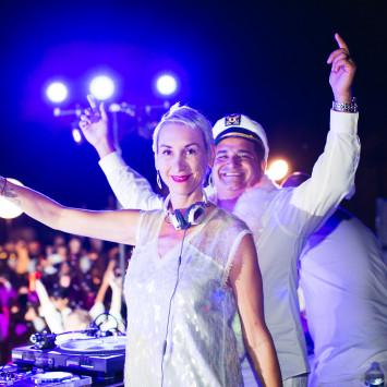WATCH: Le Dîner en Blanc - Honolulu New Year's Eve Stream