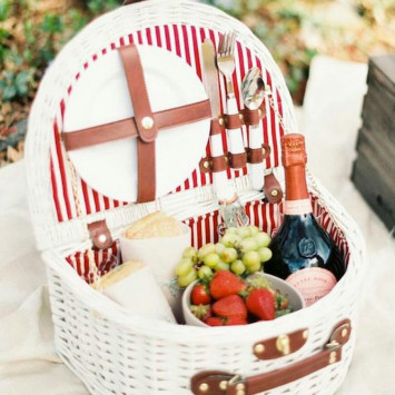 What to bring for Le Diner en Blanc on 3rd June?