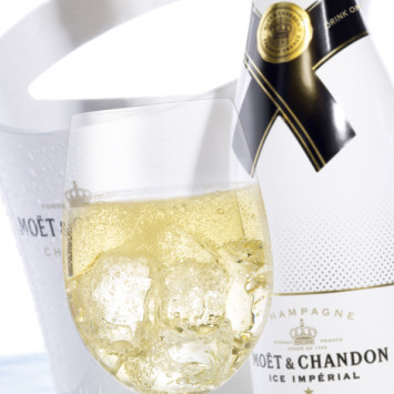 All-white Moet Ice Imperial for your Dîner en Blanc tables!