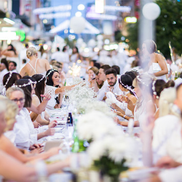 Volunteer at Dîner en Blanc - Adelaide