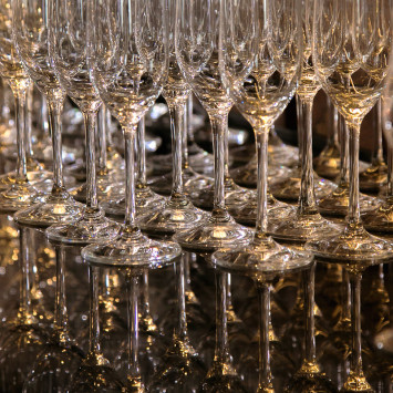 e-Store - Wine, Champagne and Floral sales extended to September 7th!