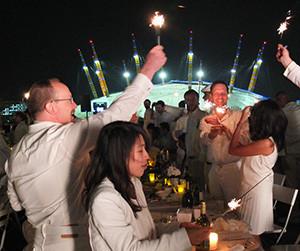 Performing Artists of London's Dîner en Blanc