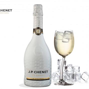 J.P Chenet ICE au Dîner en Blanc de Victoriaville!